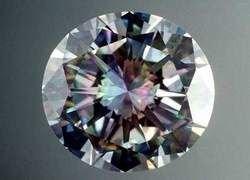 Ученые научились делать большие искусственные алмазы