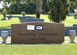 Немец оснастил могилу своей тети цифровым надгробием