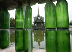 Буддистский храм из миллиона бутылок