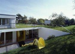 Подземный дом от дизайн-бюро EM2N