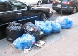 Жителей Неаполя будут арестовывать за выброс мусора на улицу