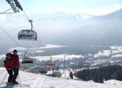 Любители горных лыж начали экономить на турах
