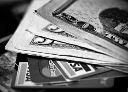 Российские банки повышают комиссии по кредитам
