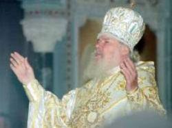Алексий II призвал священников не прятаться