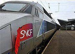 Скоростной поезд во Франции врезался в бетонные плиты