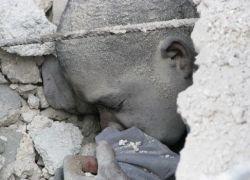 Фоторепортаж с места обрушения школы на Гаити
