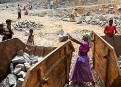 В Индии 15 человек погибли при обрушении каменоломни