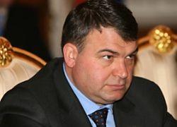 58 депутатов Госдумы требуют отставки министра обороны Сердюкова