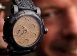 Швейцарцы сделали часы из лунной пыли