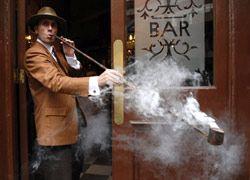 Почему курильщики продолжают курить?