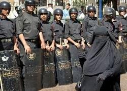 """Полиция Египта провела облаву на \""""флиртующих\"""" подростков"""