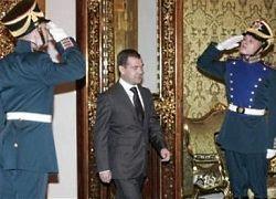 В стране ностальгия по имперской России