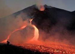 На Камчатке началось извержение вулкана