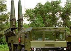 Россияне хотят и ракеты иметь, и с Западом дружить