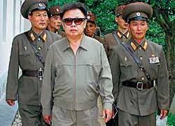 """Ким Чен Ир снова \""""ожил\"""": СМИ утверждают, будто лидер посещает заводы"""