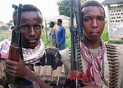 """Сомалийские пираты понизили размер выкупа за \""""Фаину\"""" до 3 млн долл"""