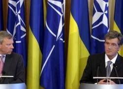 """НАТО не хочет играть в \""""русскую рулетку\"""" с расширением альянса"""
