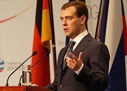 Медведев облегчил жизнь налогоплательщикам