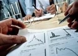 Экономику ждет рост при цене на нефть $75 и девальвации рубля?