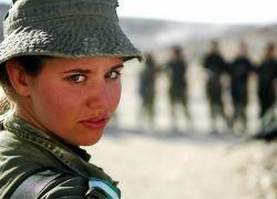 Как проходят полевые учения выпускниц пехотной школы в Израиле?