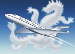 Первый китайский авиалайнер впервые поднялся в воздух