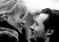 Мужчины и женщины: кто в каком возрасте счастливее и почему?