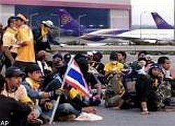 100 тысяч туристов застряло в Таиланде