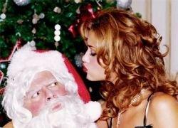 Модель Ана Беатрис Баррос в роли Санта-Клауса