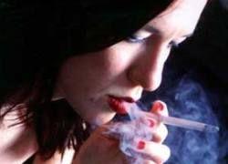 Курящие женщины живут на 14,5 лет меньше