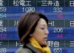 Осторожность азиатских потребителей защищает их от кризиса