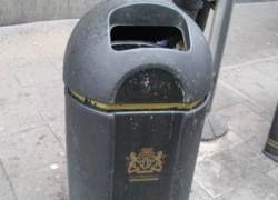 Британский мусорщик склеивает разорванные купюры на £10 тысяч