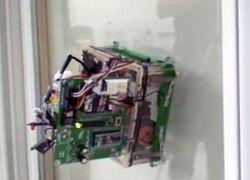 Студенты собрали робота мойщика окон