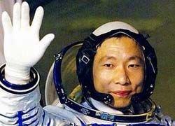 В Китае в космос будут отправлять не только военных, но и ученых