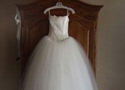 Свадебное платье хранится дольше, чем брак?