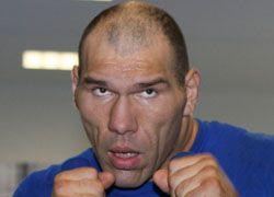 Николай Валуев отправил приглашение братьям Кличко провести бои