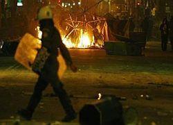 Левацкие группировки устроили мятеж в Греции