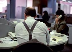40% работников по всему миру считают, что их начальству переплачивают