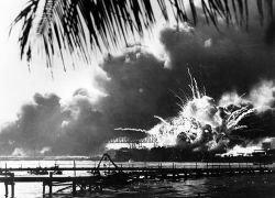 Кинохроника нападения японцев на Перл-Харбор