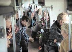 Чиновников пора пересадить в поезда - там настоящая жизнь