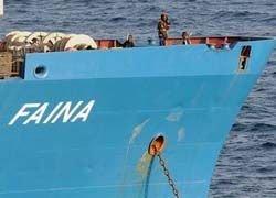 """Экипаж захваченного украинского судна \""""Фаина\"""" напал на пиратов"""