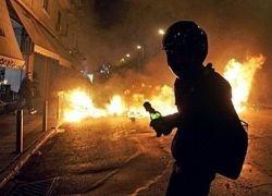 В Греции к хулиганам присоединились профсоюзы