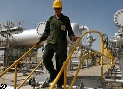 Нефть вновь заметно подешевела
