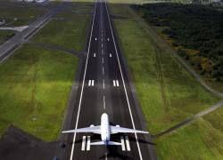 """Мировая авиация: придется \""""открыть небо\"""" конкурентам и инвесторам"""