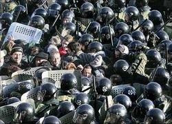 Чем Россия заплатит за кризис: суверенностью или демократией?