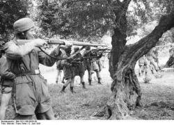 Фотохроника Второй Мировой: расстрел в Кондомари