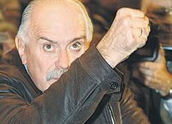 Молодые кинематографисты против Союза под руководством Михалкова