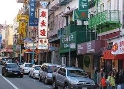 Жители Нью-Йорка стали ходить за покупками в дешевый китайский квартал