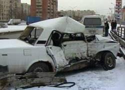 На Петербургском кольце произошло массовое столкновение автомашин