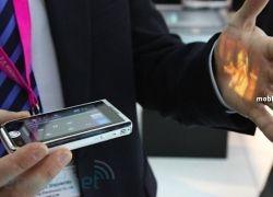 Телефон-проектор Samsung Show на видео