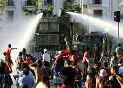 Российский автопром поднимут водометами для разгона демонстраций